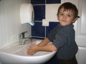 Заболевшие кишечными инфекциями дети из астраханского лагеря еще неделю будут под наблюдением врачей