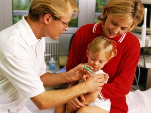 Минздравсоцразвития планирует расширить национальный календарь прививок