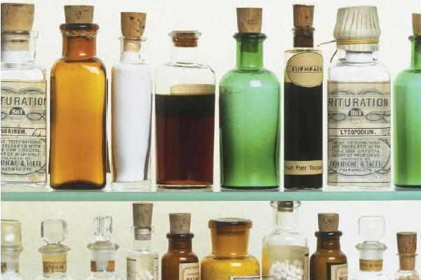 Гомеопаты признались, что давали пациентам гомеопатические лекарства взамен вакцины от кори, краснухи и паротита