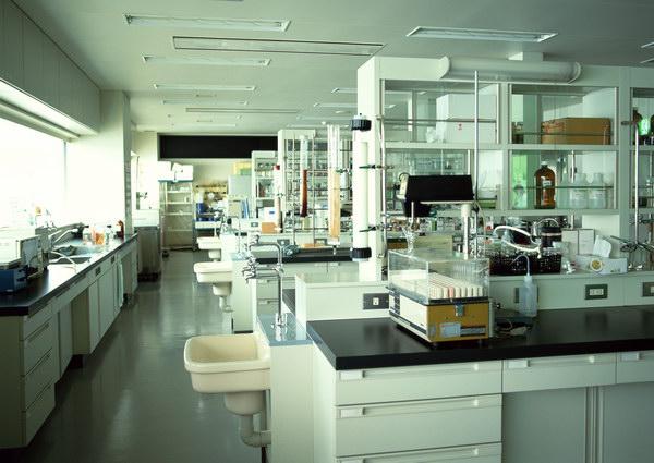 Канада построит в Киргизии лабораторию по хранению возбудителей опасных инфекций