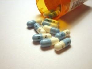 Пациенты с ВИЧ просят Медведева изменить правила проведения клинических исследований