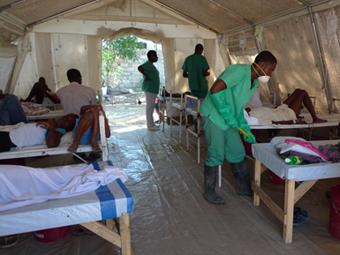 Число умерших от холеры на Гаити превысило 2 тысячи