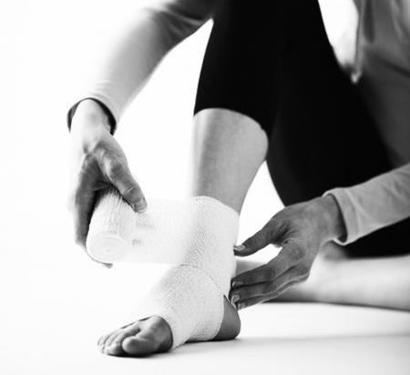 Первая помощь при травмах на занятиях спортом