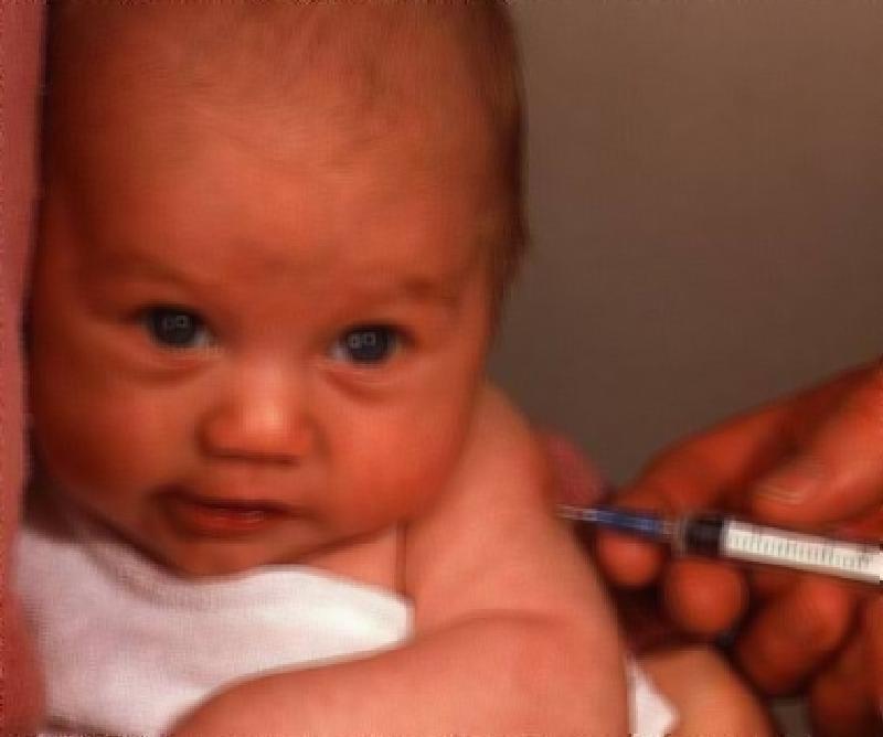 Прививки никак не влияют на детскую имунную систему