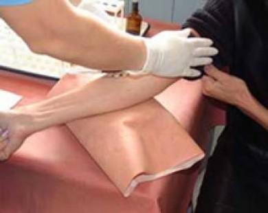 Результаты новаторских испытаний подтвердили, что лечение от ВИЧ предупреждает передачу ВИЧ