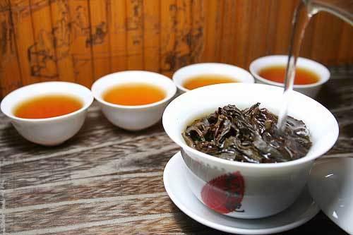 Чай Да Хун Пао обладает множеством полезных свойств