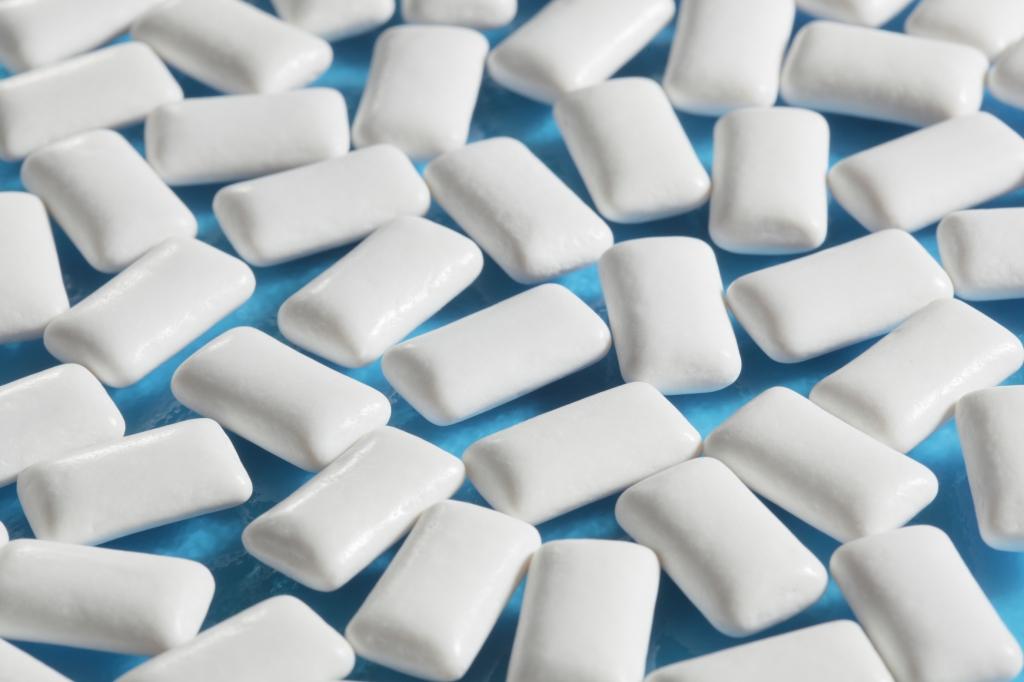 Жевательная резинка может заменить антибиотики