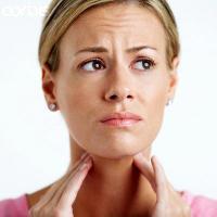 Антибиотики против акне могут усиливать риск фарингита и ангины
