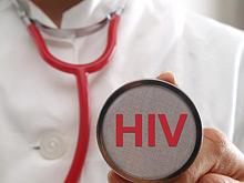 В Британии разрешат практиковать врачам, инфицированным ВИЧ