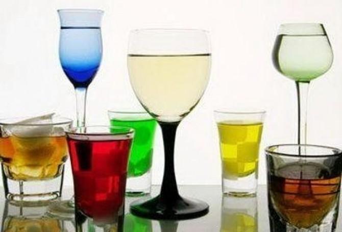 Алкоголь и нижнее белье противопоказаны женщинам