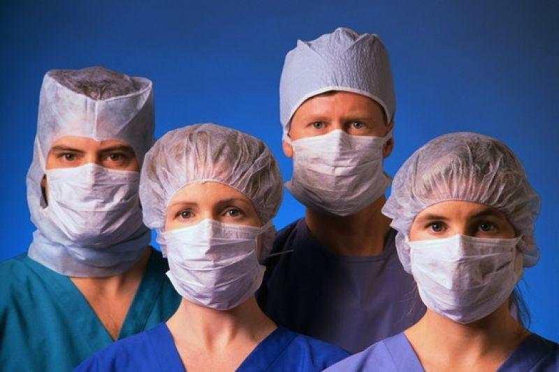 Двух тысяч врачей не хватает больницам Среднего Урала