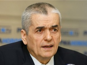 Г.Онищенко: За 8 месяцев в РФ выявлено более 900 больных СПИДом мигрантов