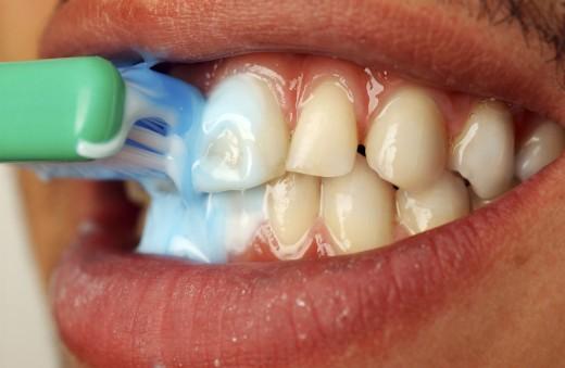 Причиной эректильной дисфункции может стать инфекция в полости рта