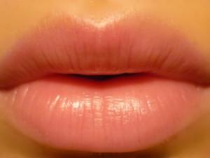 Биополимерный гель поможет вернуть объём и молодость вашим губам