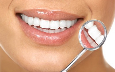 Продукты, которые влияют на естественный оттенок зубов