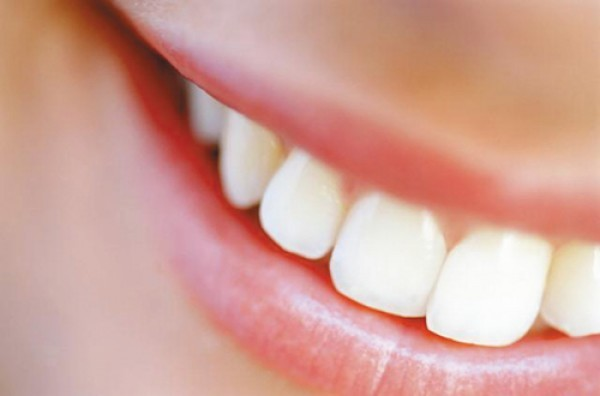 Профессиональное и быстрое лечение кариеса зубов в Москве