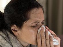 Инфекционисты: при первых признаках простуды нужно брать на работе отгул