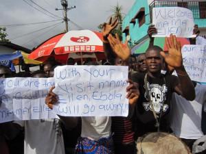 Эпидемия вируса Эбола вышла из-под контроля в Западной Африке