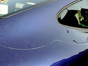 Устранение царапин с автомобиля
