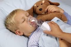Первые признаки детской астмы появляются сразу после рождения