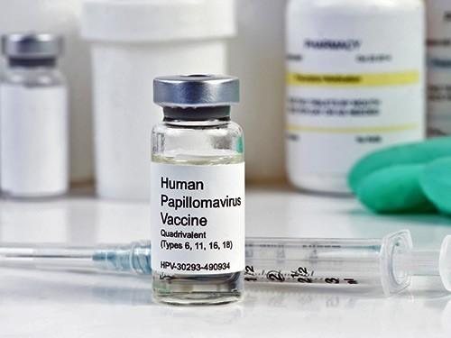 Эксперты проверят вероятные побочные эффекты вакцины против ВПЧ