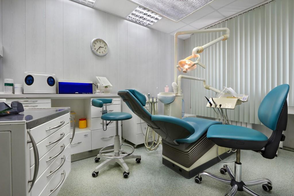 Профессиональное лечение зубов в Краснодаре