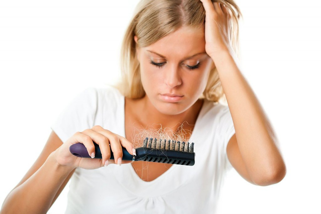 Выпадение волос: причины и методы решения проблемы