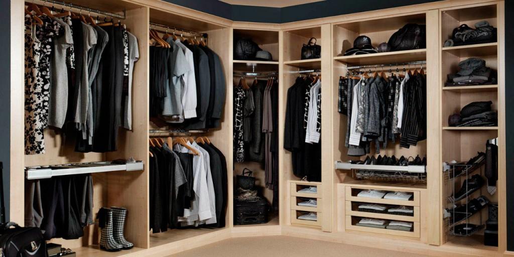 Размещение вещей в гардеробной