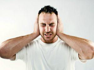 Боль в ушах – симптом простуды или инфекция?