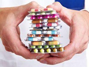 Самостоятельное назначение витаминов и антибиотиков провоцирует развитие болезни