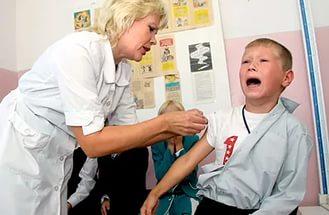 Прививки детям: делать или нет