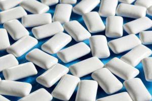 Шоколад и жвачка могут быть опасны для кишечника