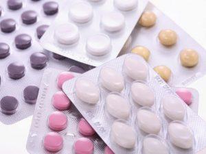 Ученые: нельзя пить антибиотики перед кесаревым сечением
