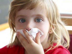 Непривитых от полиомиелита детей разрешили изолировать