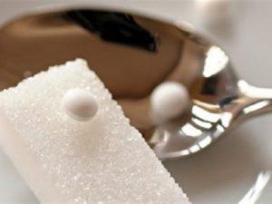 Сахарозаменители употреблять не рекомендуется
