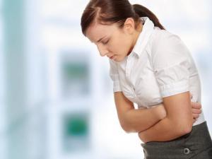 Боль в животе: когда надо быть тревогу