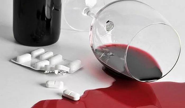 Антибиотики и спиртное: что важно знать