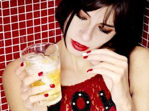 Антибиотики и алкоголь: стоит ли пить их вместе