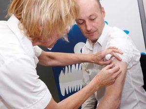 Почти 2,3 млн жителей Подмосковья уже сделали прививки от гриппа