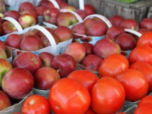 Яблоки и помидоры защищают легкие