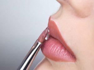 Ученые открыли особую опасность косметики