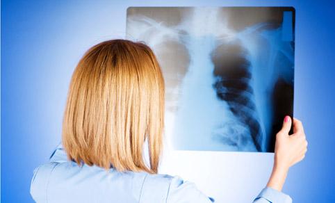 Боремся с пневмонией: советы врачей
