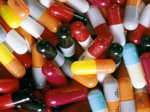 Профессор развенчал семь мифов об антибиотиках