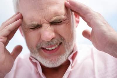 Основные признаки вирусного менингита и первые шаги до приезда врача