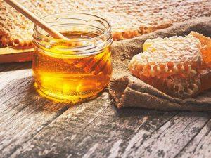 Мед не лечит от болезней и не помогает худеть