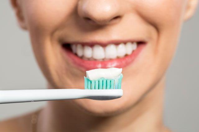 Очистка зубов и профилактика болезней полости рта в домашних условиях