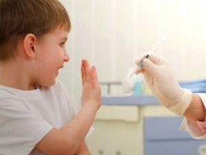 Родителей хотят сажать в тюрьму за отказ от прививки