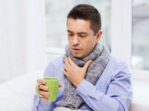 Болит горло? Вот 5 продуктов, которые помогут справиться с воспалением
