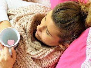 Изоляция, чай литрами и морковь. Врач — о действенных приёмах против гриппа
