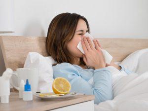 Вирусы атакуют: как не заболеть в сезон простуд